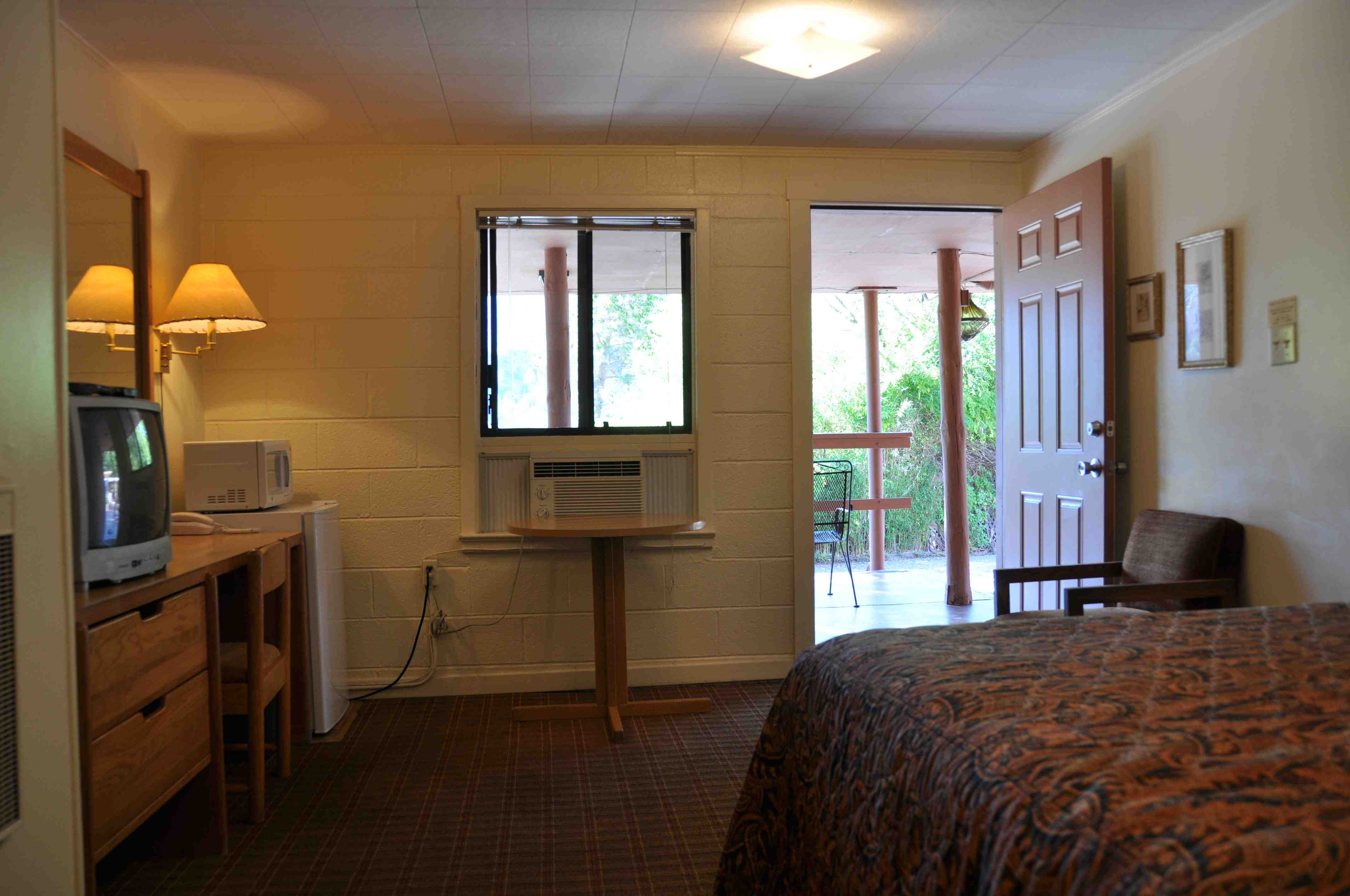 $95* Queen Room in Uptown Sedona